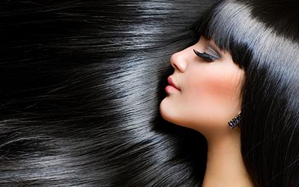 Black hair: il grande ritorno dei capelli neri